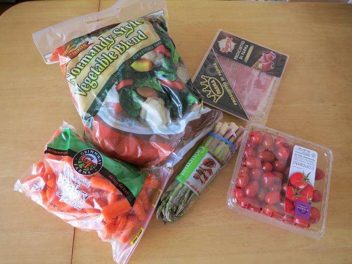 生ハムやアスパラガス、トマトなど食材をたっぷり買い込んだらパスタ作りはいかが?