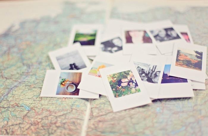 最近では写真はデータにして送ったりSNSでアップしたりと、手軽に共有できるようになりましたが、手元に残るものとして写真を手紙に添えて送ってみるのもおすすめです。スマホやPCの画面で見るよりも趣があります。インスタントカメラやチェキで撮った写真など、データに残らない写真もまた味わいがあって素敵です。