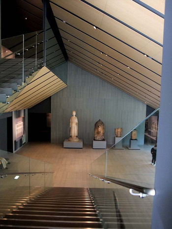 国宝は7件、重要文化財は87件、重要美術品では94件を所蔵し、企画展示によって一部を公開しています。※所蔵作品や展覧会については、下記のリンクからご確認ください。