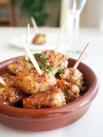冷めても美味しい「ハニマ」をフィンガーフードでいかがですか。誰もが気軽につまめて食べやすいホームパーティーにぴったりなフードレシピです。