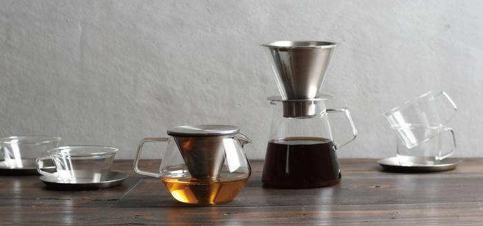 コーヒーの豊かな香りが伝わってきそうですね。 普段より、美しいカフェタイムを。