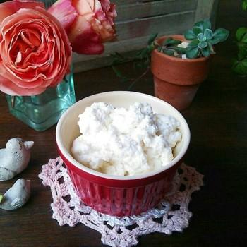 リコッタチーズのお手軽レシピ!パンケーキやマフィンにつけていただきましょう♪前夜に仕込んでおけば、リッチな朝食が楽しめそうですよ。