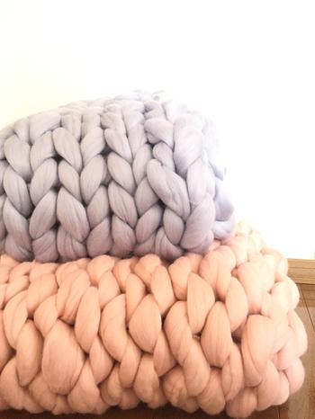 子供でも編める程、気軽に始められる編みものとして人気なんです。