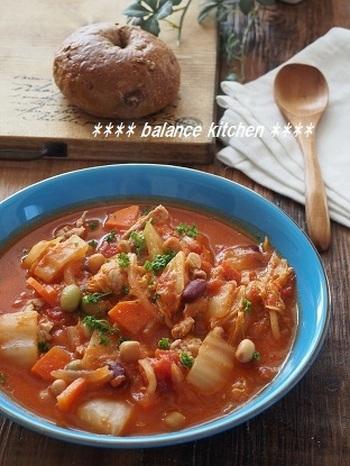 野菜の水分だけで作る、栄養満点のスープ。隠し味のヨーグルトのおかげで、コクのある仕上がりになります。ダイエット中の人にもおすすめのメニューです。