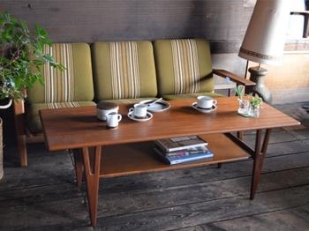 お店の中では、ヴィンテージ家具を組み合わせたインテリアの実例を見学できるのも良い所。実際に座って家具の良さを確かめることができます。