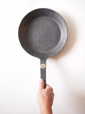 """100年使える鉄のフライパン。ドイツから届いた無骨でクラシックな""""TURK(ターク)"""""""