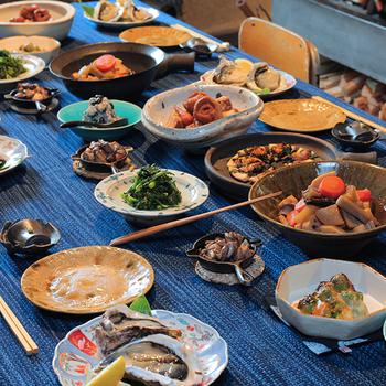 お食事は地元でとれた食材を生かした手尽くしのお料理を。特別高級な食材や調理法ではありませんが、丁寧に作られたごちそうは、とても優しく身にしみます。