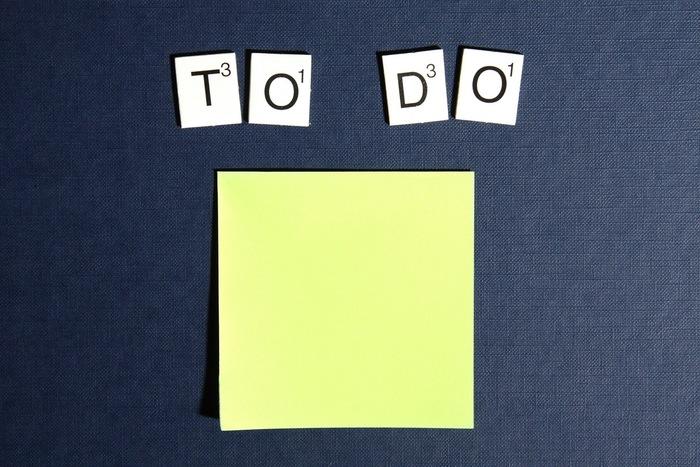To doリストにやるべきことを書いて、重要度・緊急度に合わせて優先順位を明確にすることで生活の効率化ができますし、モチベーションアップにもつながります。 一日のうちにすべきこと、数日中にすべきこと、週中にしておきたいことを分けてリストアップしておくと、よりわかりやすくていいですね。