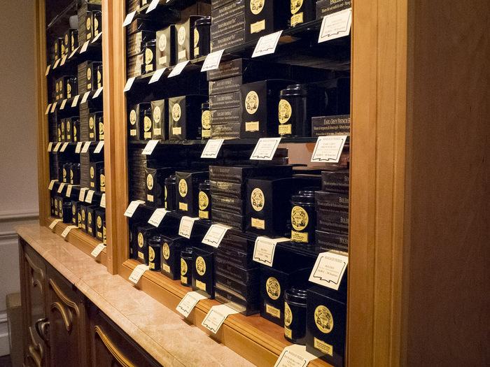 壁一面に茶葉が並んでいて、選ぶのが楽しくなりそうですね!