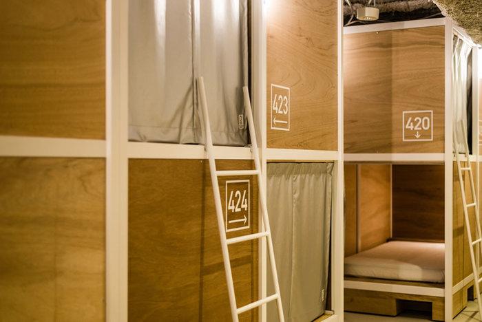 バンクベッドのドミトリーは個人旅行者向けの宿泊スペース。カジュアルに浅草の観光基地にすることができます。女性専用のフロアもあるので安心して利用することができますよ。