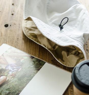 夏の必需品、帽子でちょいミリタリーを取り入れてみては。迷彩柄過ぎないので品もあり、年配の方でも安心して使え、プレゼントにもぴったり。登山やキャンプなど、アウトドアシーンでも大活躍しそうです。