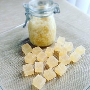 【塩こうじの琥珀糖】 話題の調味料「塩こうじ」を使った琥珀糖のレシピです。健康にも良さそうですね!