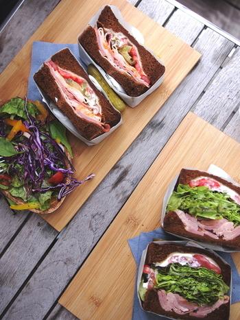 """手作りのサンドイッチももちろんおいしいけれど、たまには自分じゃ作れないような""""お店ならでは""""の味も食べたくなりますよね。"""