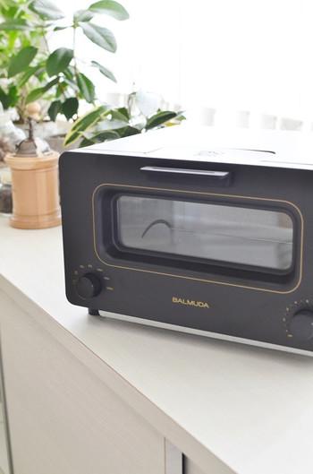 何でもないトーストが、「カリッ、もちっ、じゅわっ」のごちそうに。スチームテクノロジーと完璧な温度制御で、焼きたてパン味をお家で簡単に再現できます。