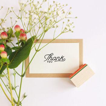 感謝の気持ちをストレートに表した「Thank you」ハンコはいかが?ちょっぴりユーモラスなプレゼント選びに、思わず顔がほころんでくれるはず。相手の方が使ってくれる度に、ありがとうが広がっていく素敵なギフトです♪