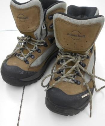 足の保護も防寒もばっちりな一足。