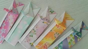 色々な千代紙を使ってバリエーション豊かに箸袋を並べれば楽しいテーブルになりますね。