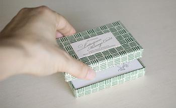 小さなメッセージカードに可愛らしいイラストの活版印刷をデザイン。ちょっとしたメッセージも心がこもります。