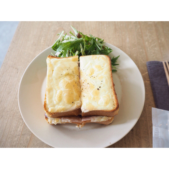お店で使われているパンは老舗「ペリカン」のもの。体に優しいメニューと、お店全体が生み出すゆったりとした雰囲気に、心身ともに癒されます。