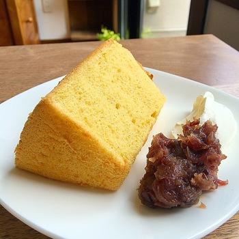店名になっているシフォンケーキは、しっとりふわふわ、優しい甘さです*トッピングメニューも豊富なので、何度通っても飽きないはずです♪