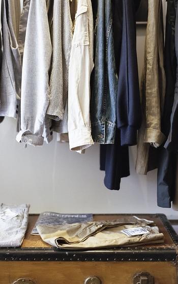 しかも、ワンパターンだけでなく何通りも考えられることが大切です。1通りしか考えられない服は「着ない服」になって後悔する可能性が高いです。「着回せる」ことが大切です。