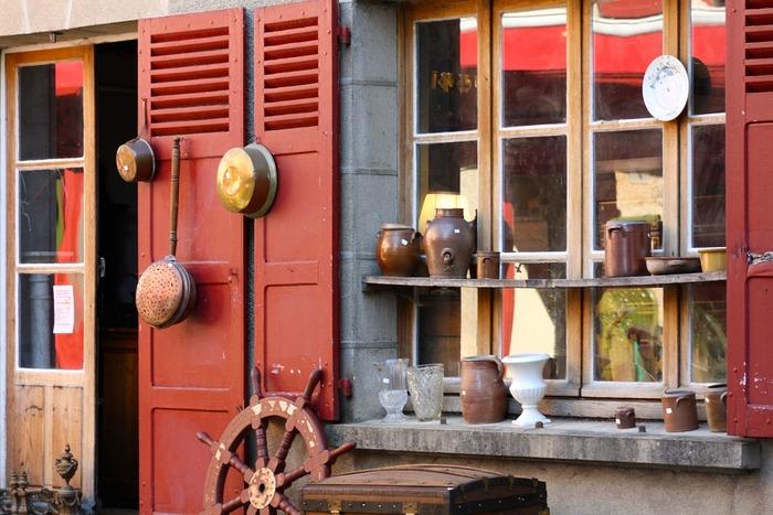 フランスやイタリアなどヨーロッパでは今でも調理に銅鍋をよく使っています。