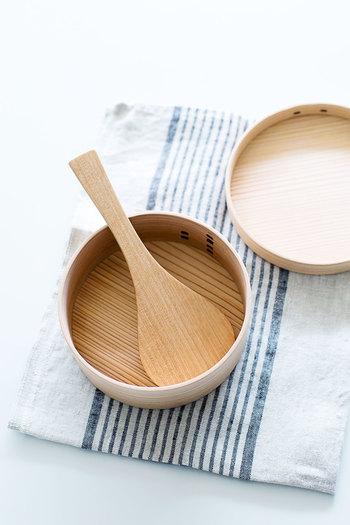 昔ながらの、まげわっぱ。竹素材は、湿気がこもらず衛生的です。