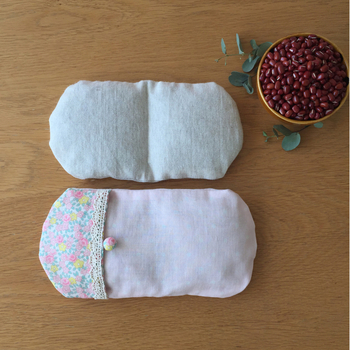 エコでぬくぬく♪レンジでチンする小豆(あずき)カイロ&枕の作り方