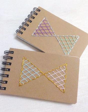 ノートの表紙に刺繍すると、無地のノートがこんなに素敵に大変身!