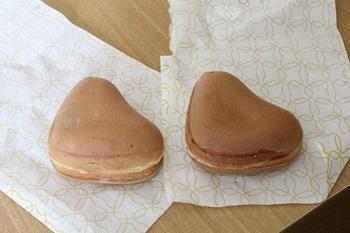 「博多ひなのやき」は、ひよこが手がける回転饅頭。お店は福岡市に2店舗でしか購入できないのでもおすすめのポイント!