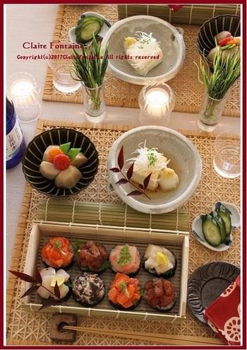 竹かごにのっけ寿司をいれた和風のお花見弁当。丈夫で蒸れない竹は見た目だけでなく機能性も◎。