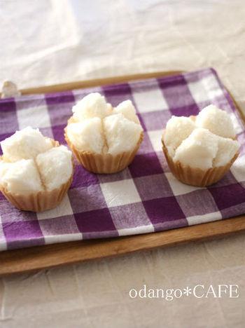 ライスミルクと米粉で作る、基本の蒸しパン。もっちりした食感と、真っ白な仕上がりが特徴です。作り方も簡単で、材料を混ぜて蒸すだけ!