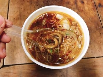 メインの食事としても食べますが、多くの台湾人は小腹が減った時やおやつに気軽に食べる料理なのだそう。屋台や立ち食いのお店も多く、台湾ではメジャーなファストフードなんです。