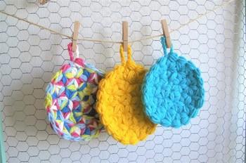色使いにセンスを感じますね。キッチンに元気な色があると洗い物や片付けも楽しくなりそうです。