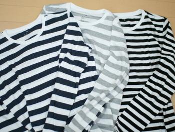 オーガニックコットンクルーネック長袖Tシャツ この季節とにかく涼しく着られて肌触りのいい無印良品のオーガニックコットン。 特にこのボーダーは大活躍間違いなしですよ。 税込1000円のロープライスで何枚あっても重宝します。