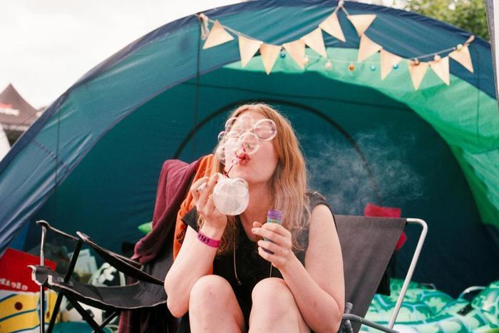 デイキャンプなら、ピクニックの延長で楽しめるので、必要最小限の荷物で始められます。アウトドアに最適な心地よい季節です。この機会に、ぜひデイキャンプに出かけてみませんか?