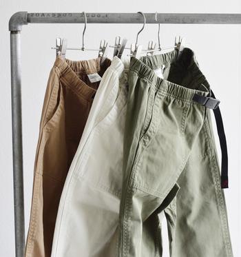 ナチュラルなカラーバリエーションでどんな服にも合わせやすく、デイリーから、アウトドアまで、幅広いシーンで使えます。