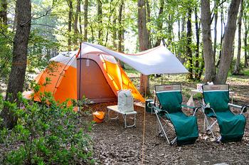 「キャンプをしたことがない…」という人は、デイキャンプとはいえ、何から始めればいいのか、何を揃えたらいいのか不安なもの。 ビギナーでも安心のイベントを開催しているアウトドアグッズブランドも多いんです。アウトドアに必要な道具のレンタルもあるので、「これから始めてみようか!」という人は、まずはイベント参加から始めてみるのもおすすめです!