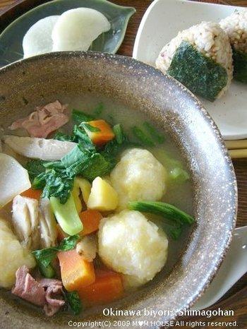 お米ともちきび、小麦粉でつくる「もちきびだんご」が入った具沢山のすまし汁です。体調がすぐれないな、と思う時や身体の疲れがとれない時にも、栄養満点のスープで元気が出そう♪