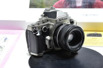 最近流行りのレトロ風カメラのほとんどが、フィルムカメラではなくデジタルカメラ。 だから操作も簡単。 撮った写真をパソコンに取り込んだりなど、普通のデジタル一眼レフカメラやデジタルカメラと変わりません。