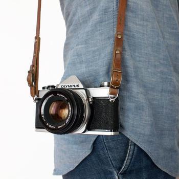レトロな雰囲気の本格カメラ5選はお楽しみいただけましたでしょうか。 今度是非、カメラ屋さんで見かけたら手に取ってシャッターを切って、その良さを体感していただきたいです。