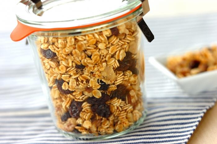 こちらは押し麦を使ったグラノーラ。食物繊維が豊富な押し麦はそのままだとちょっと食べにくいですが、グラノーラにすると香ばしくて食べやすくなりますね。