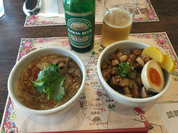 本場さながらの麺線と、台湾料理なら『麺線屋formosa(フォルモサ)』で、台湾ビールを飲みながら絶えない会話を楽しんでくださいね。