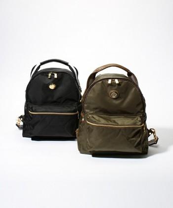 こちらもOROBIANCOのもの。リュックの他、ショルダーバッグや・ハンドルバッグとしても使えてとても便利。