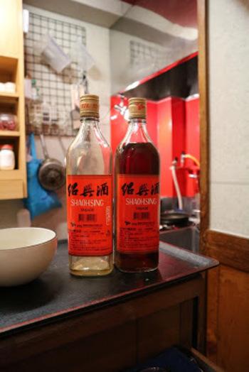 紹興酒をチビチビやりながら、本場の台湾料理を味わえる♡体の芯からほっこり温まる、素敵なお店『左記麺線』。お仕事の疲れも飛んで行ってしまうそう♪