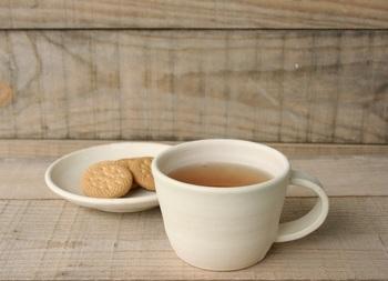 子ども用のシンプルなマグカップを耐熱・耐水シールでお子さまの好みに合ったオリジナルに変えてみませんか?きっとお子さまも笑顔になりますよ!