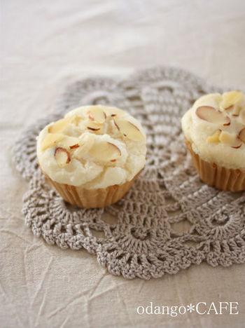 ライスミルクと米粉を使ったシンプルカップケーキ。アーモンドプードルや油も入っているのでコクもあり、お米の風味もしっかり感じられるそうです。
