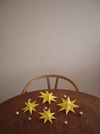 子供が喜びそうなお星様のオーナメント。飾れば、お部屋がいっきに明るく楽しくなりそう♪