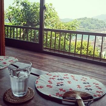 「空猫カフェ」も古民家を改装したカフェ。2階の座敷席が広く、尾道の絶景を楽しめます。