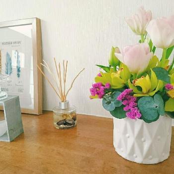 お花は切り花にして生けたり、おともだちにさりげなく渡すこともできるような、そんなイメージで選ぶと生活に素敵に取り入れることが出来ますよ。